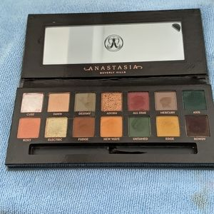 ABH SUBCULTURE PALLETE